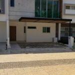 Venta Casa Arbolada Residencial Frente Área Verde