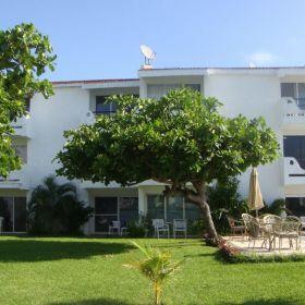 RENTA Departamento frente a laguna en zona hotelera de Cancun 1 recamara.