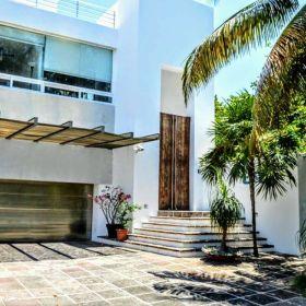 Moderna Residencia con vista al Mar y campo de Golf