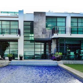 Residencia en Isla Dorada , renta con opción a compra . Finos acabados . 4 recamaras