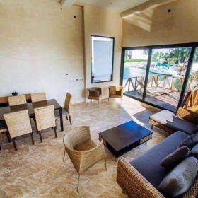 Residencia en Puerto Cancun , espectaculares acabados , con vista a canal