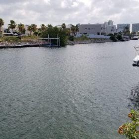 Terreno en venta ,Puerto Cancun sobre canales