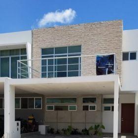Residencial Arbolada casa de 2 niveles y 3 recamaras