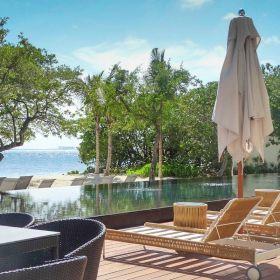 Amplio Garden House venta Isla Mujeres frente al mar 600m2