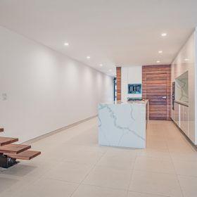 Casa en venta Cancun frente al mar en zona hotelera con disponibilidad de muelle.