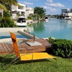 Casa en Venta Puerto Cancun Moderna Frente a Canal  de Navegación